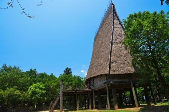 Musée d'ethnologie du Viêt Nam : Maison de commune