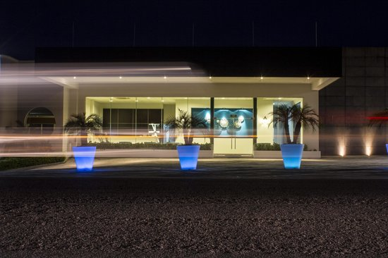 Hotel Aqua Spa & Resort: Fachada Hotel Aqua