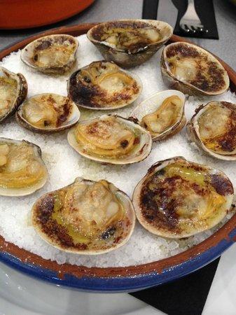 LochLeven Seafood Cafe : Grilled Palourdes