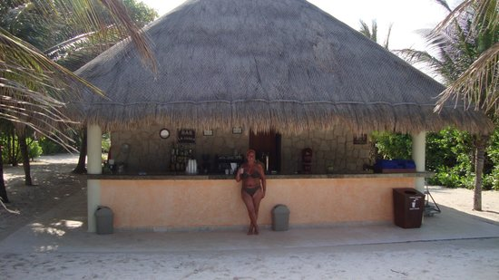 Grand Palladium Colonial Resort & Spa : Beach area 2011