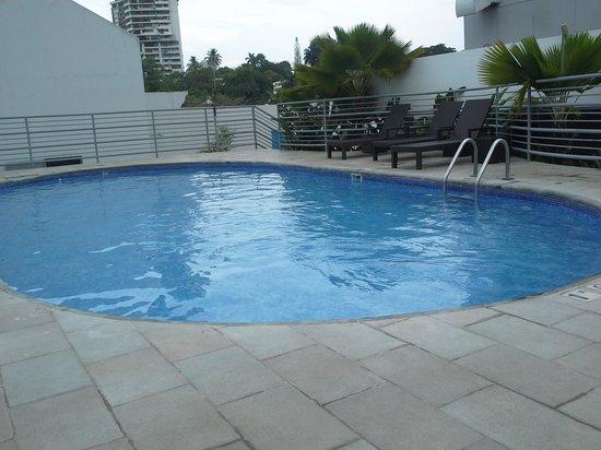 DoubleTree By Hilton Panama City: Piscina