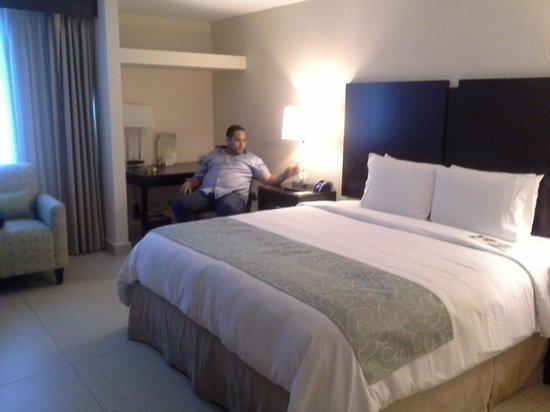 DoubleTree By Hilton Panama City: Habitación