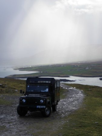 Vagabond Tours: Beautiful view near the skellig islands a site only the vagatron can reach over