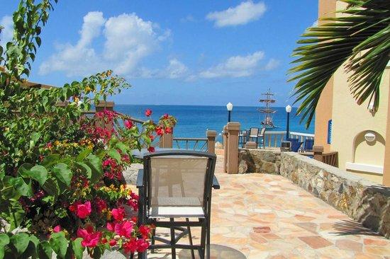 Divi Little Bay Beach Resort: Patio overlooking the ocean @ Divi Little Bay