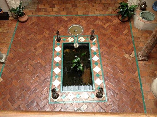 HOTEL CASA MORISCA: Courtyard