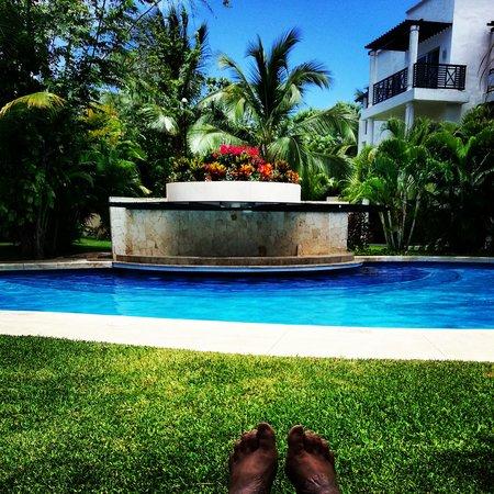 Azul Beach Resort The Fives Playa Del Carmen: Pool outside my room