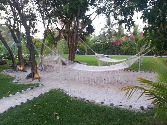 Azul Beach Resort The Fives Playa Del Carmen: Relaxation abounds