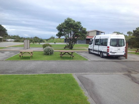 Greymouth Seaside Top 10 Holiday Park: Powered Sites