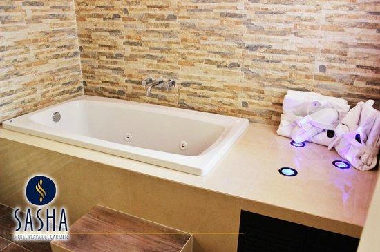 Sasha Hotel: Habitación King con jacuzzi