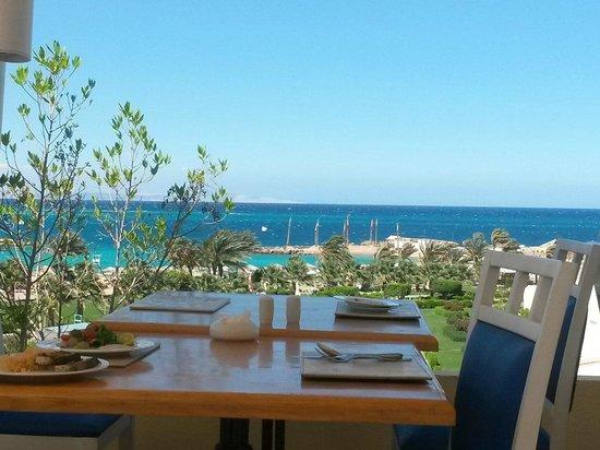 Hilton Hurghada Plaza: Вид с ресторана