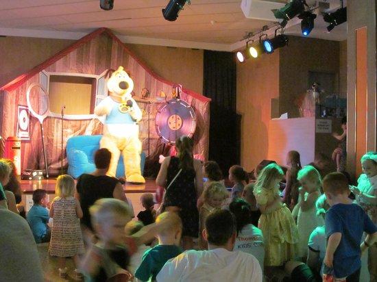 Family Life Avenida Suites: kennel club disco