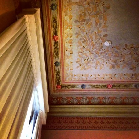 I Portici Hotel : Room ceiling