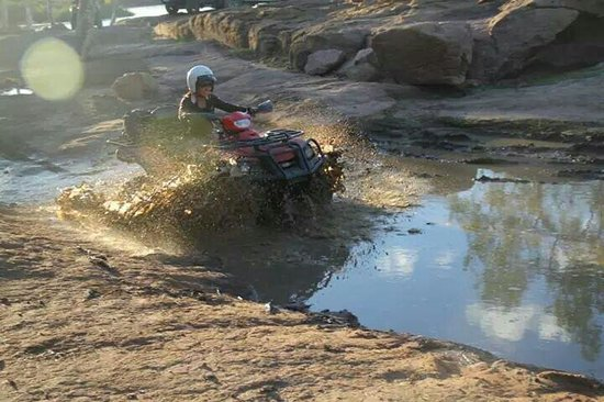 Kalbarri Quadbike Safaris: Nice splash!