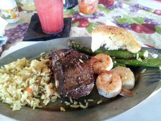 Kendra's Kitchen : Stake whit fresh scallops.. Bom!