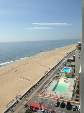 Holiday Inn Hotel & Suites Ocean City: beach view from room 1112