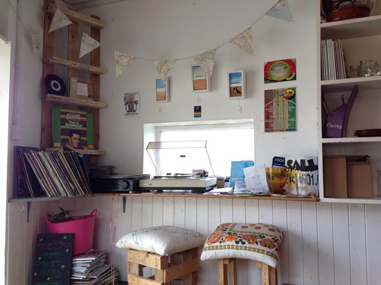 The Jam Jar: Vinyl records playing