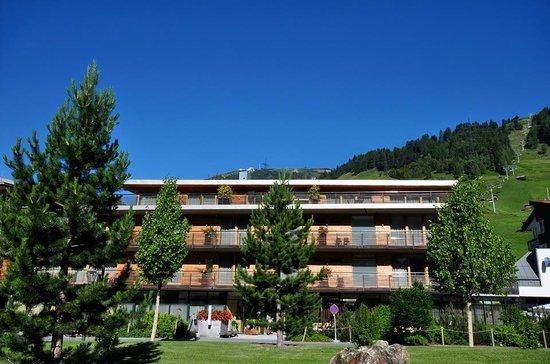 Skihotel Galzig: Aussenansicht FRONT
