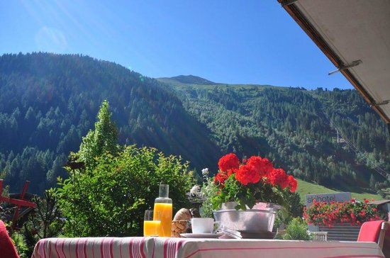 Skihotel Galzig: Hotel und Umgebung