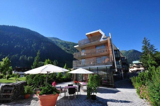 Skihotel Galzig: Frühstücksterrasse