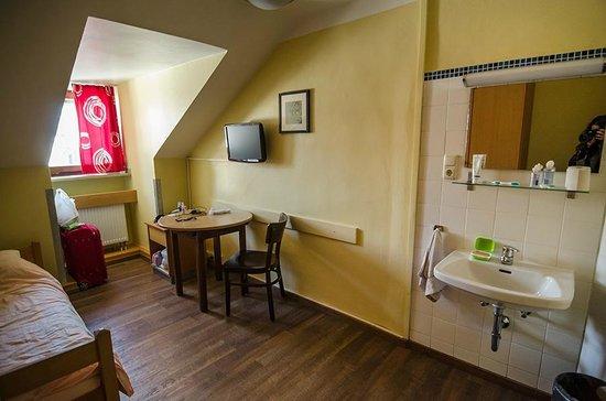 Single Room in Euro Youth Hotel Munich