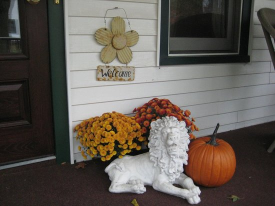 Rosemont Inn Resort B&B: Fall Welcome to the Inn