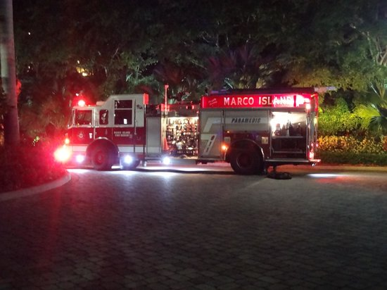 Marco Beach Ocean Resort: Fire truck that came to our aid