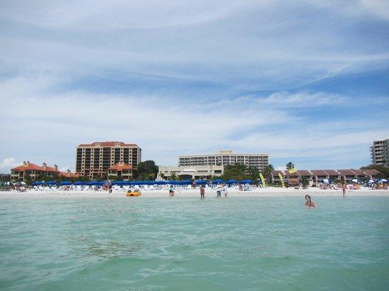 Marco Beach Ocean Resort: The hotel and beach