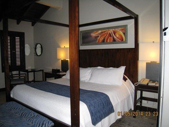 Sandals LaSource Grenada Resort and Spa : Pink Gin Room