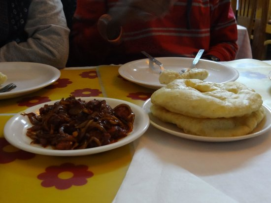 Royal Tibet : Tibetan bread and chillin chicken