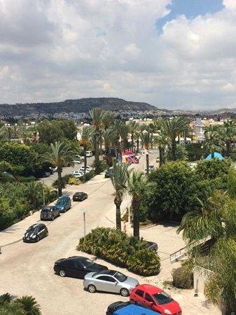 Palm Beach Hotel & Bungalows: вид из номера inland view