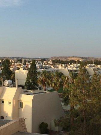 Palm Beach Hotel & Bungalows : вид из номера inland view