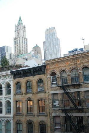 Cosmopolitan Hotel - Tribeca : Blick zur Straße auf den Woolworth Tower