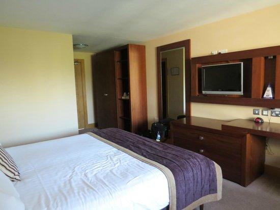 Westport Woods Hotel: Room