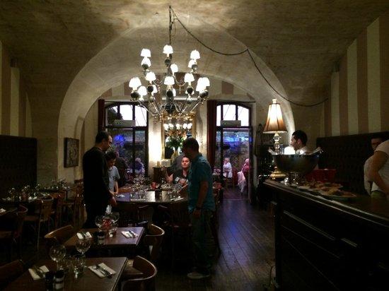 L'Aile Ou La Cuisse : Salle du restaurant