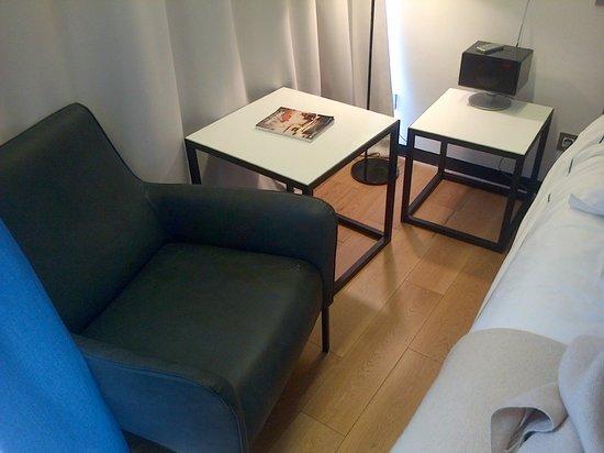 Sense Hotel Sofia: Stylish corner in the room