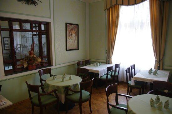 Hotel Ester: Restaurant