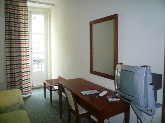 Hotel Borges Chiado : наш номер