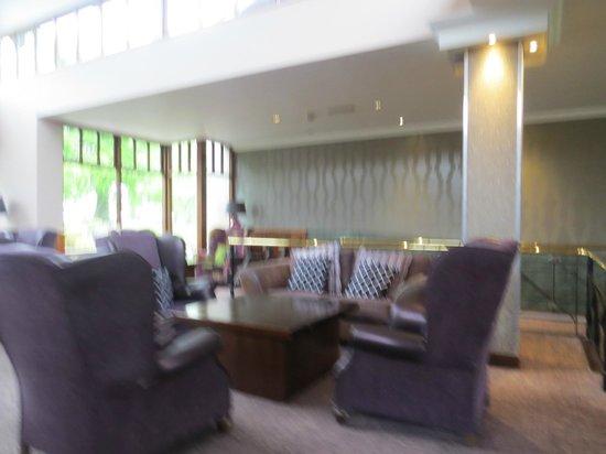 Westport Woods Hotel: lobby