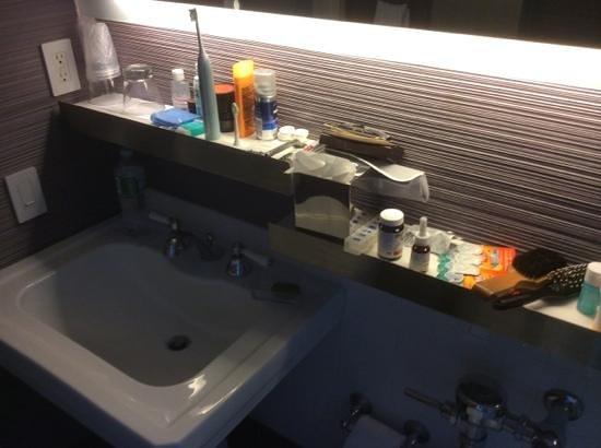 W New York: Small bathroom