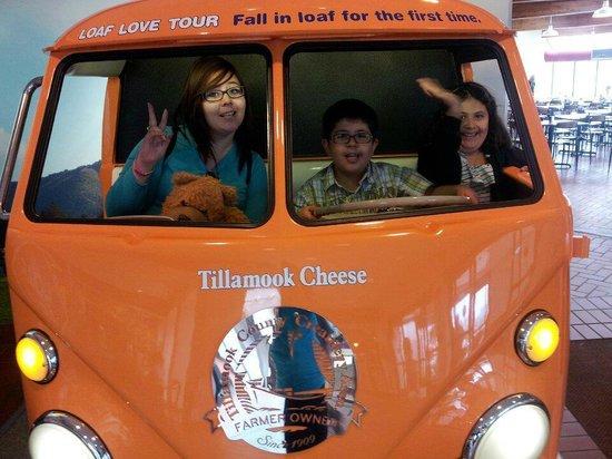 Tillamook Cheese Factory: FUN