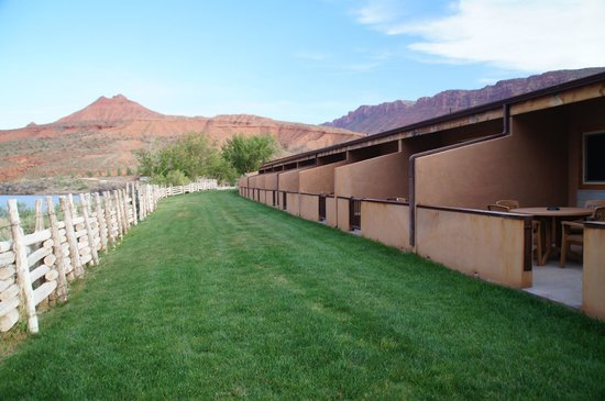 Red Cliffs Lodge: vor der Terasse