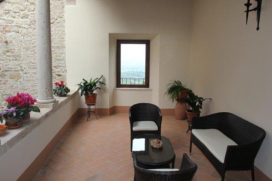 Meuble il Riccio : Private vestibule for our room