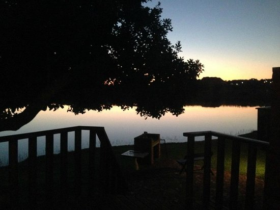 Pirates Creek : View of the river at sunset