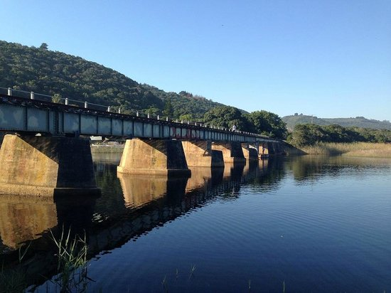 Pirates Creek: View of the old railway bridge from the chalet