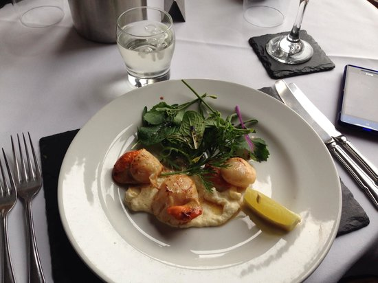 Sconser Lodge Hotel: Local hand dived scallops