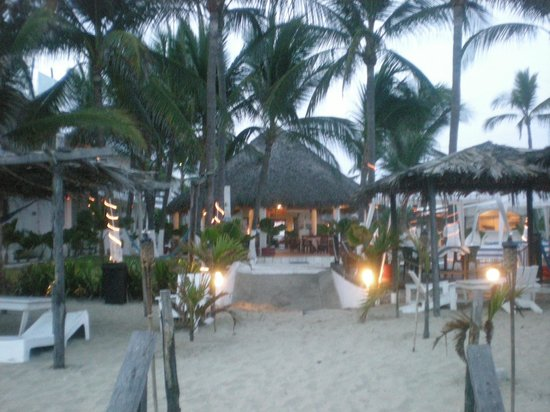 Hotel Casa Blanca: L'hôtel vu de la plage