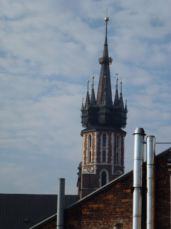 Hotel Pod Roza: Beautiful tower of Mary's church