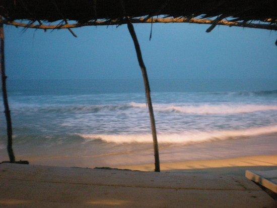 Hotel Casa Blanca: La plage devant l'hotel