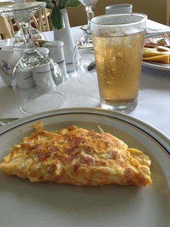 Iberostar Costa Dorada: Breakfast omelet