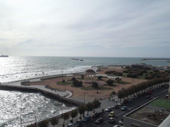 NH Livorno Grand Hotel Palazzo: Vue de la chambre sur le front de mer